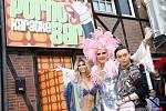 Porno karaoke bar v Hamburku