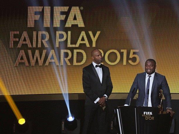 Zlatý míč 2015: Cena fair play za přístup fotbalu k uprchlíkům