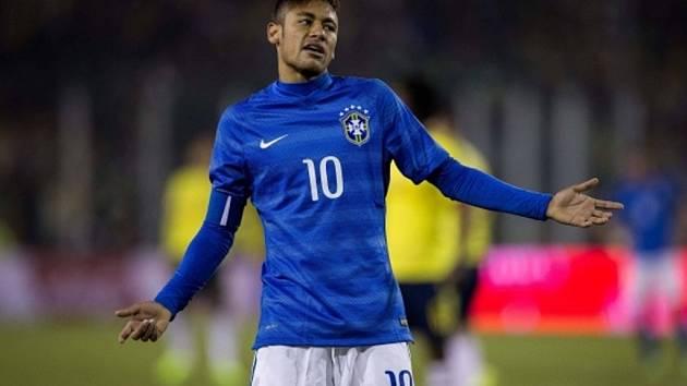 Brazilský klenot Neymar těžce nesl červenou kartu v zápase s Kolumbií.