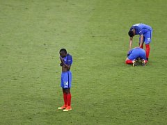 Zklamaní fotbalisté Francie.
