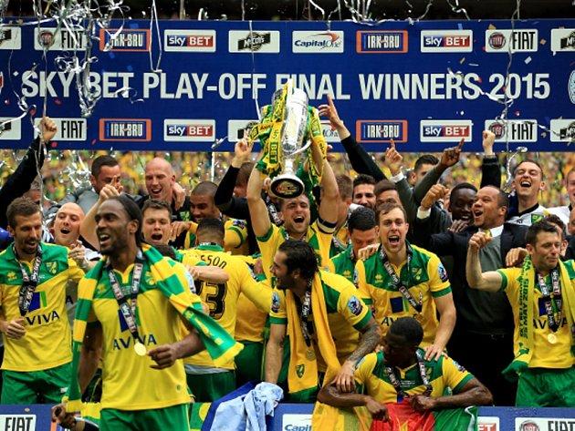 Fotbalisté Norwiche ovládli finále play off druhé ligy a vrací se do Premier League.