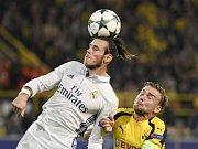 Gareth Bale z Realu Madrid (vlevo) proti Dortmundu.