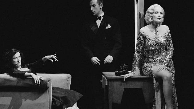 Marlena Dietrich a Edith Piaf se v životě nesetkaly, až teď, na jevišti Myronova divadla v Ostravě.