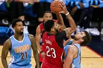 Anthony Davis z New Orleans nasázel v duelu s Denverem 50 bodů.