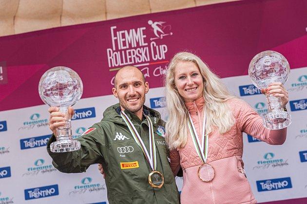 Sandra Schützová slaví společně smužským vítězem SP Italem Matteo Tanelem