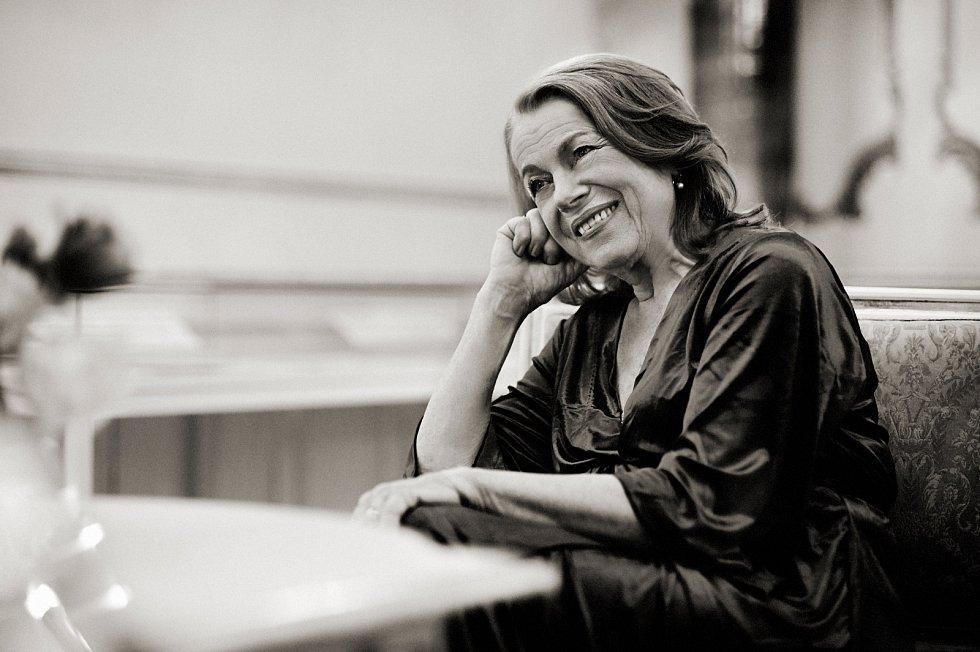 Herečka Iva Janžurová je od roku 1987 členkou Národního divadla.