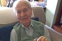 Plukovník Miroslav Antonín Liškutín se narodil se 23. srpna 1919 v Jiříkovicích u Brna. Po kapitulaci Francie v roce 1940 létal ve 145. a pak 312. stíhací peruti. Zničil dva nepřátelské letouny a dvě střely V1.