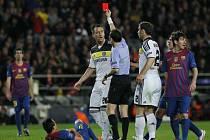 John Terry inkasoval zbytečnou červenou kartu.