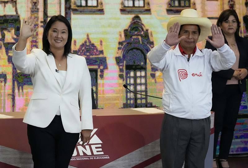 Peruánští kandidáti na prezidentský post Keiko Fujimori a Pedro Castillo