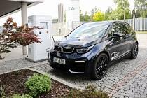 Vysokokapacitní rychlonabíječka pro elektromobily od žďárské společnosti DEL
