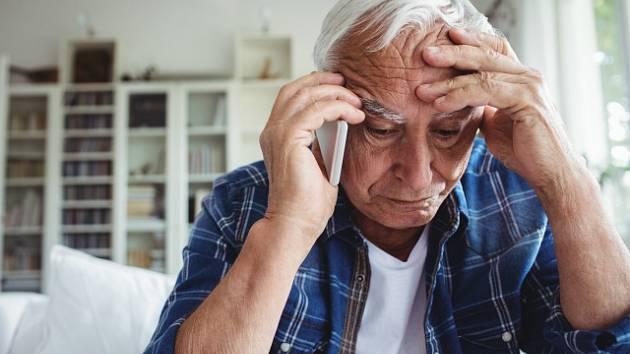 Osamělý senior - ilustrační foto
