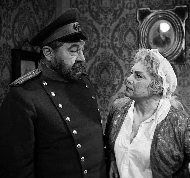 Slzy, které svět nevidí (rok 1962). Jiřina Šejbalová a Jan Werich