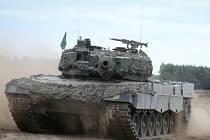Zástupci ministerstva obrany si na začátku července ve Španělsku prohlédli tanky Leopard 2-A4, které španělská armáda nabízí k odkoupení.