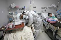 Pacienti s koronavirem v Houstonu