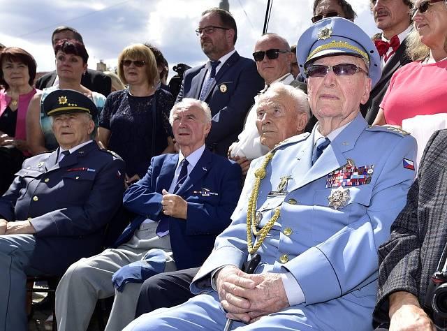 Válečný veterán a pilot Alois Dubec.