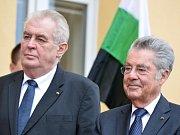 Prezident Miloš Zeman se dnes setkal s bývalým rakouským prezidentem Heinzem Fischerem. Ilustrační foto.