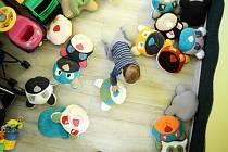 Po zrušení kojeneckých ústavů a dětských domovů pro předškolní děti volají mnohé organizace působící voblasti péče o ohrožené děti.