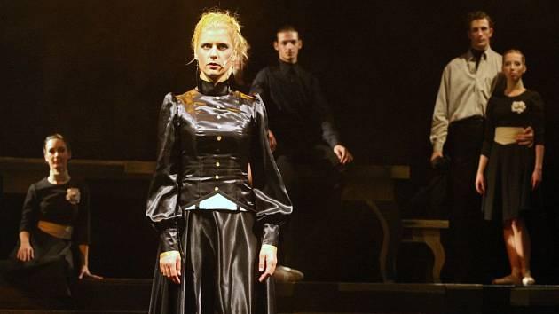 Generálka premiéry baletního hororu v Severočeském divadle opery a baletu v Ústí nad Labem. Na snímku Gabriela Vermelho
