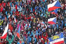 Na SP v biatlonu do Nového Města na Moravě zavítalo za tři dny rekordních 100.400 fanoušků.