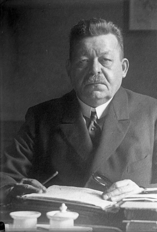 Pohřbu obětí se zúčastnil i německý prezident Friedrich Ebert ( na snímku) a předseda vlády Hugo Lerchenfeld. Přihlíželo mu na 70 tisíc lidí