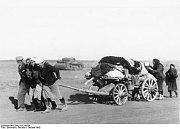 Civilisté opouštějí Stalingrad