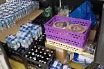 """""""Veselé balíčky"""" kromě praktických předmětů od Besipu, knih zKnihkupectví Daniela, Rancherskými specialitami zJestřebic nebo výrobky zpekárny Khek obsahují také nealkoholické pivo, včetně jeho bezlepkové alternativy."""