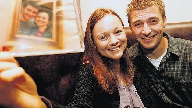 Andrea Elsnerová a Josef Pejchal namluvili Vieweghův román Povídky o manželství a sexu.