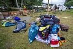 Poničený dětský tábor u Vernéřovic po bouřce.