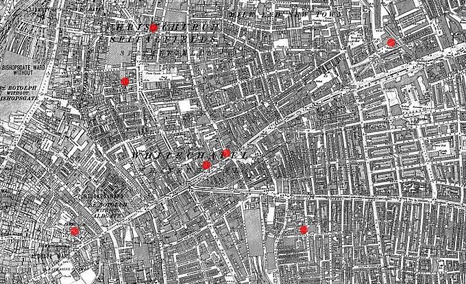 Mapa londýnské čtvrti Whitechapel s vyznačenými lokalitami prvních sedmi vražd. Pět z nich měl spáchat Jack Rozparovač.