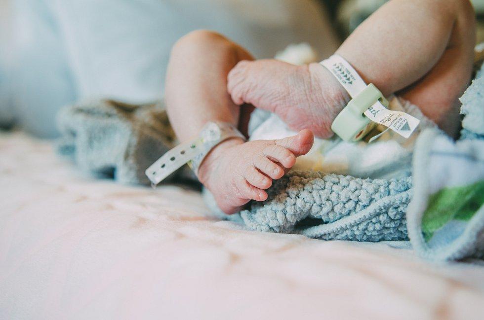 Novorozené miminko - ilustrační foto.