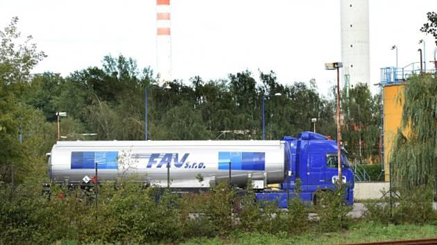 Cisterna společnosti FAU v areálu přerovské chemičky Precheza.