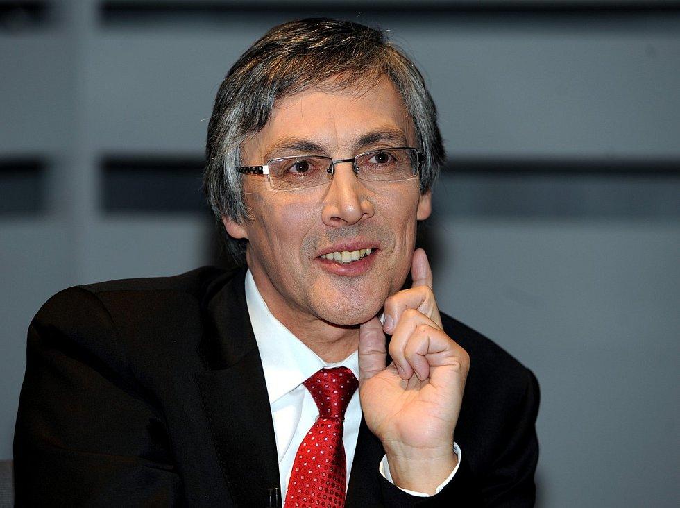 Moderátor sportovních pořadů a bývalý komentátor Petr Vichnar