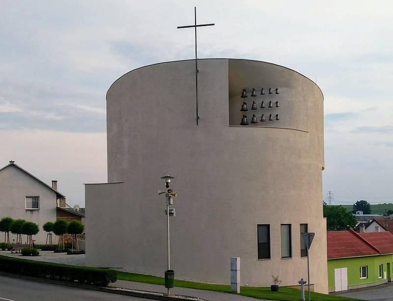 Kostel sv. Václava vSazovicích