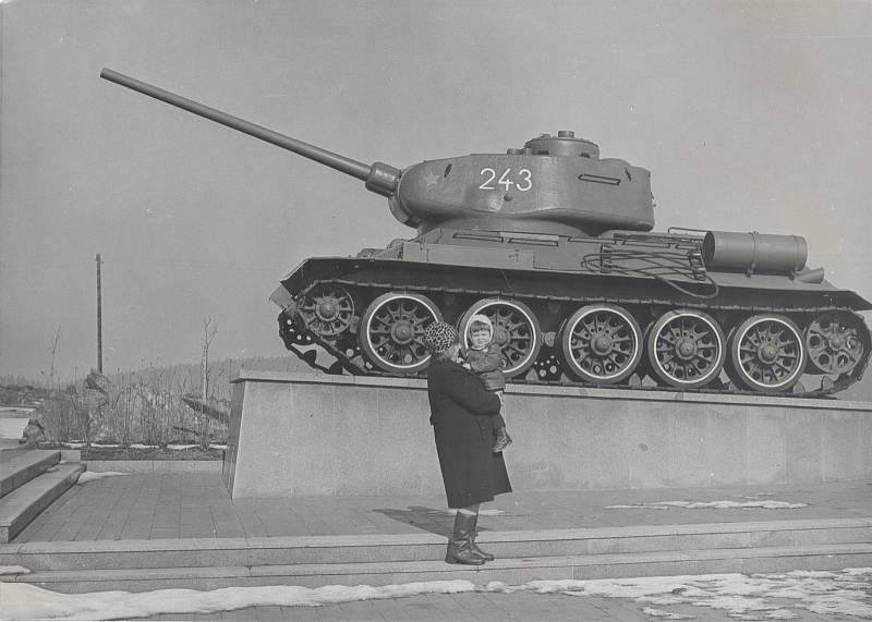 Tankč. 243/T34-85 stával na Pelhřimovsku