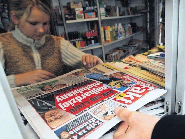 Erotiku nevedeme. Bulvár ano, ale erotické časopisy už ne. To je hranice, kterou ctí většina stánkařů v Józefowě.
