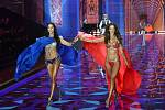 Adriana Lima a Alessandra Ambrosio v podprsenkách Fantasy Bra