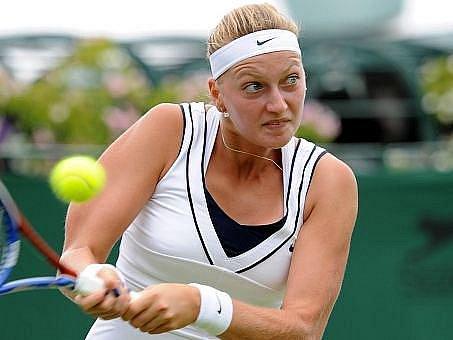 Tenistka Petra Kvitová s přehledem postoupila do druhého kola Wimbledonu.