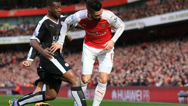 Arsenal - Leicester: Olivier Giroud a Wes Morgan