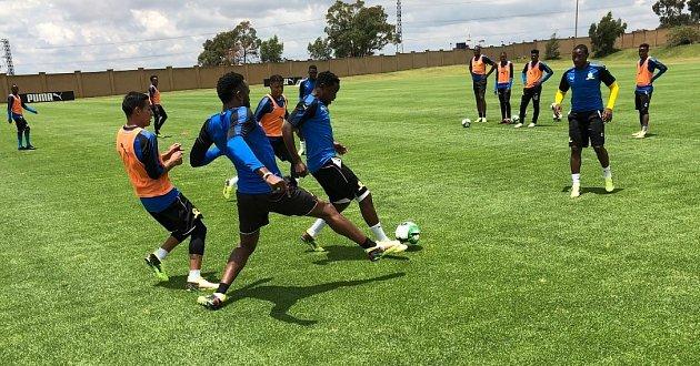 Usain Bolt na fotbalovém tréninku