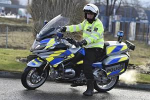 Policista na motocyklu. Ilustrační foto