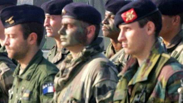 Francouzští vojáci budou hlídat Hormuzskou úžinu.