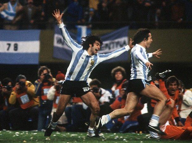 Mario Kempes na archivním snímku z finále MS 1978