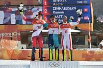 Slalom na olympijských hrách v Pchgjongčchangu vyhrál André Myhrer (uprostřed). Druhý byl Ramon Zenhauersen (vlevo), bronz získal Mario Matt.