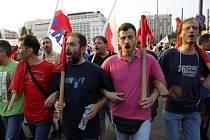 Demonstrace v centru Atén.