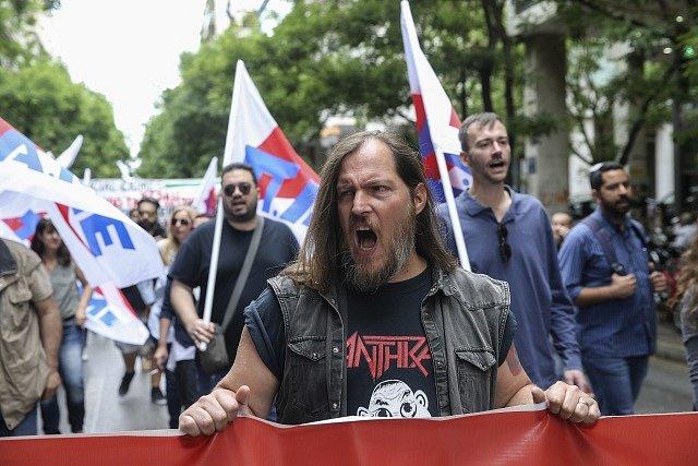 V Řecku nepracovali a protestovali i novináři.