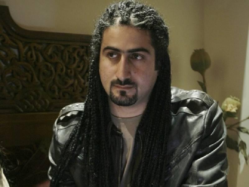 Umar bin Ládin tvrdí, že se s otcem rozešel v roce 2001, tedy v roce, kdy Al-Káida zaútočila v USA.