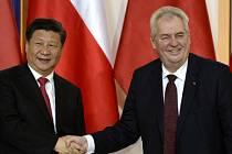 Český prezident Miloš Zeman a jeho čínský protějšek Si Ťin-pching podepsali na Pražském hradě smlouvu o strategické spolupráci mezi Českem a Čínou.
