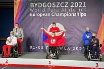 Vyhlášení medailistů, uprostřed zlatý František Serbus.