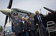 Na snímku čeští váleční veteráni Petr Arton, Emil Boček, Tomáš Gibian a Alois Dubec, Tomáš Lom.