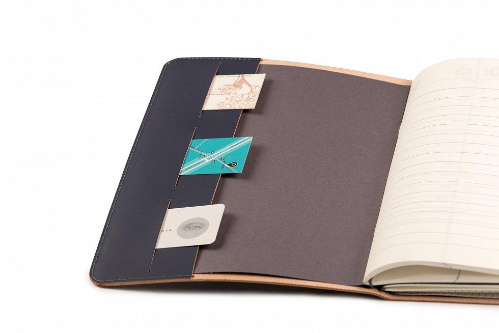 Zápisník vkvalitně zpracovanémkoženém obalu zdílny Brašnářství Tlustý